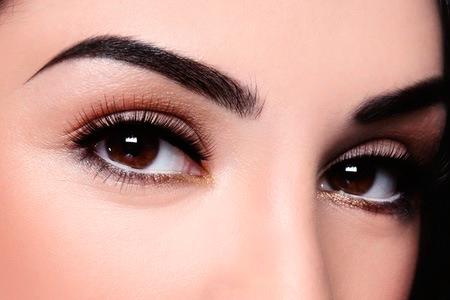 micropigmentacion en labios cejas y pestañas en sola institut